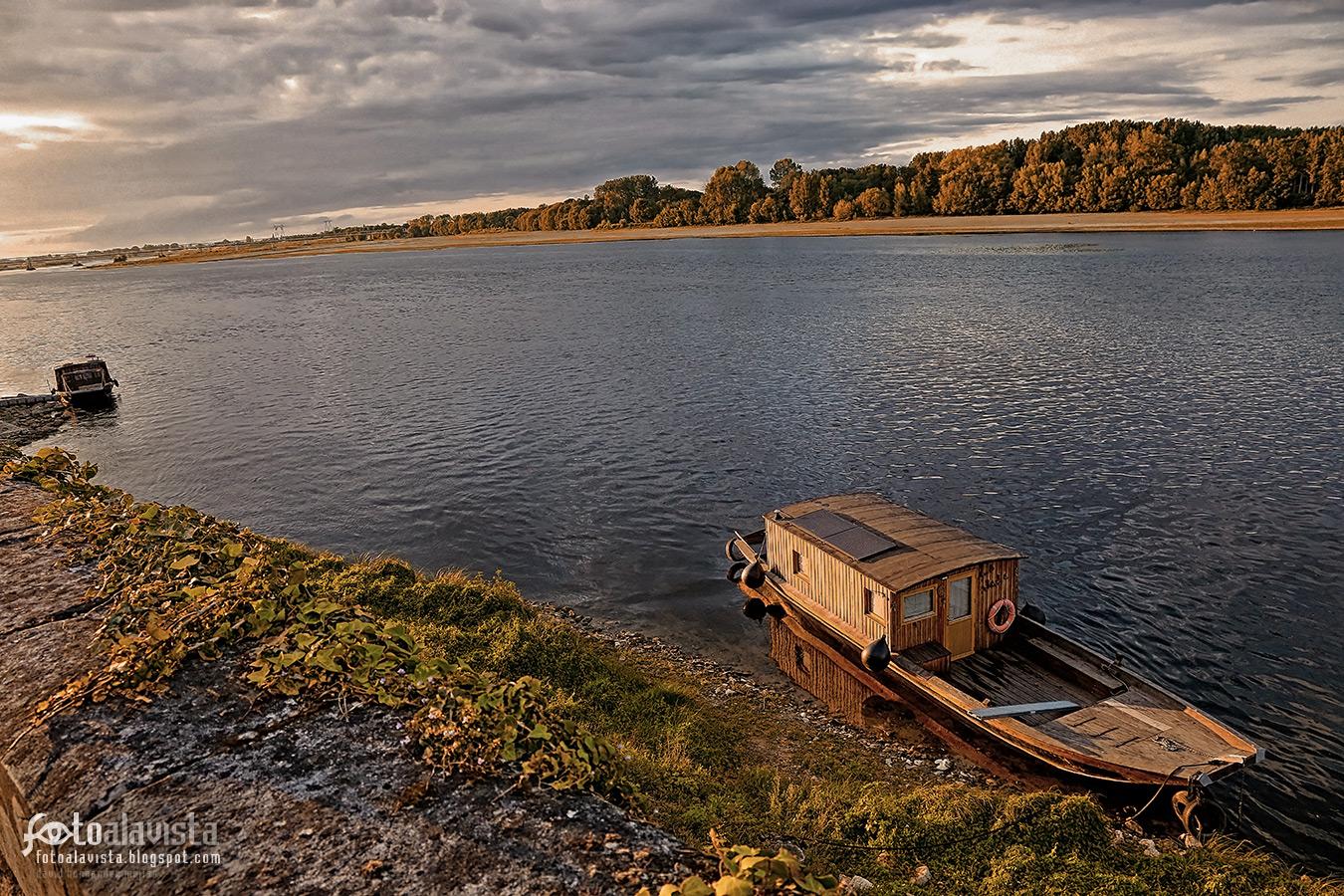 Barca en el Loira - Fotografía
