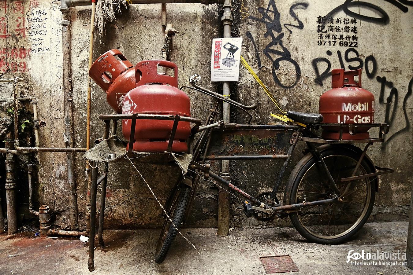 Bicicleta a gas con instrucciones - Fotografía artística