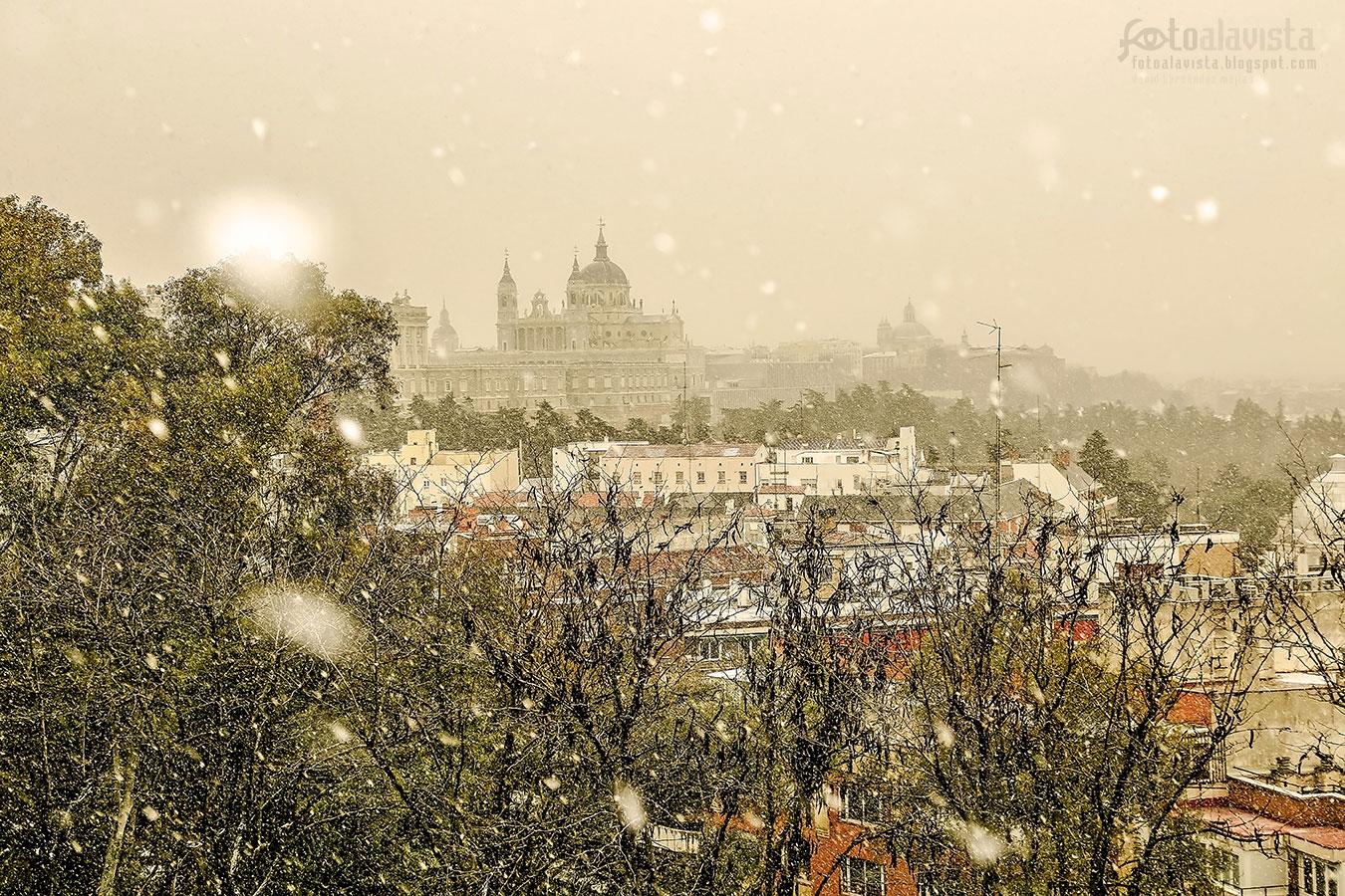 Cuando nieva sobre la catedral - Fotografía