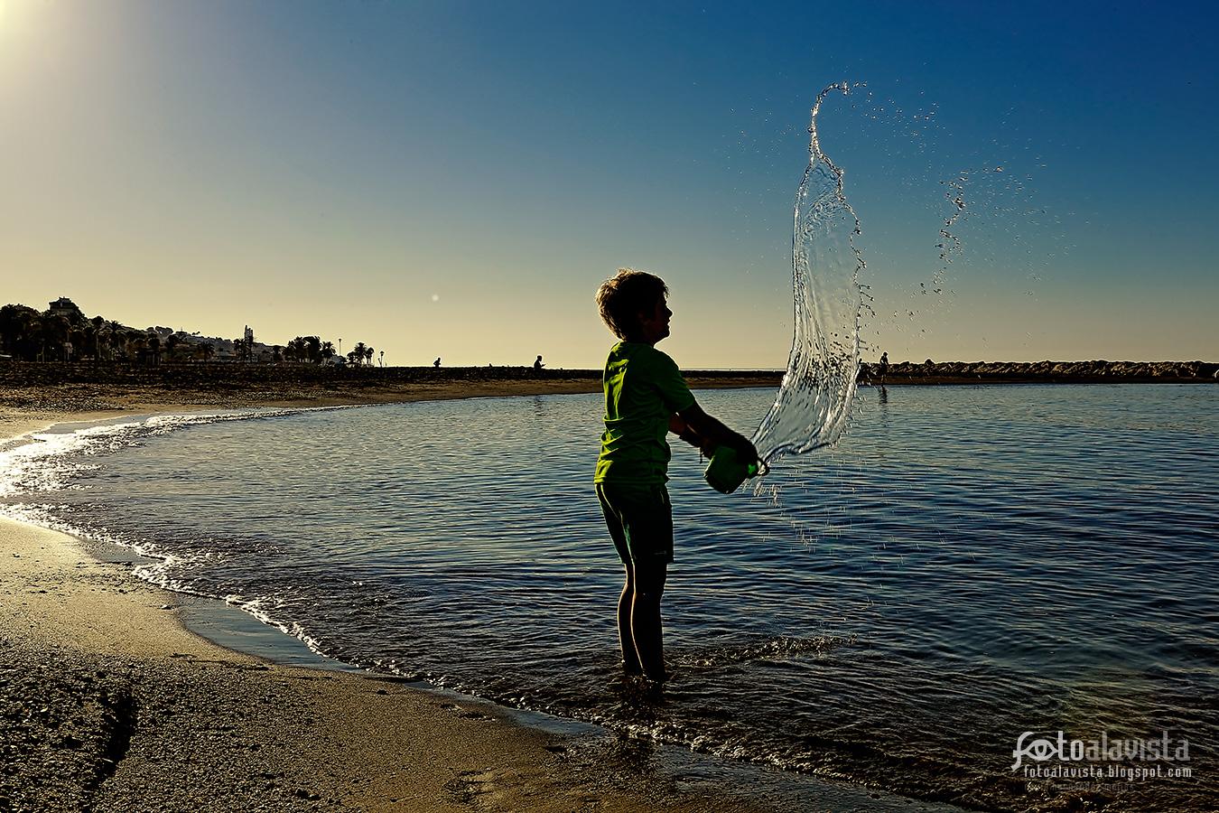 Jugando con agua - Fotografía