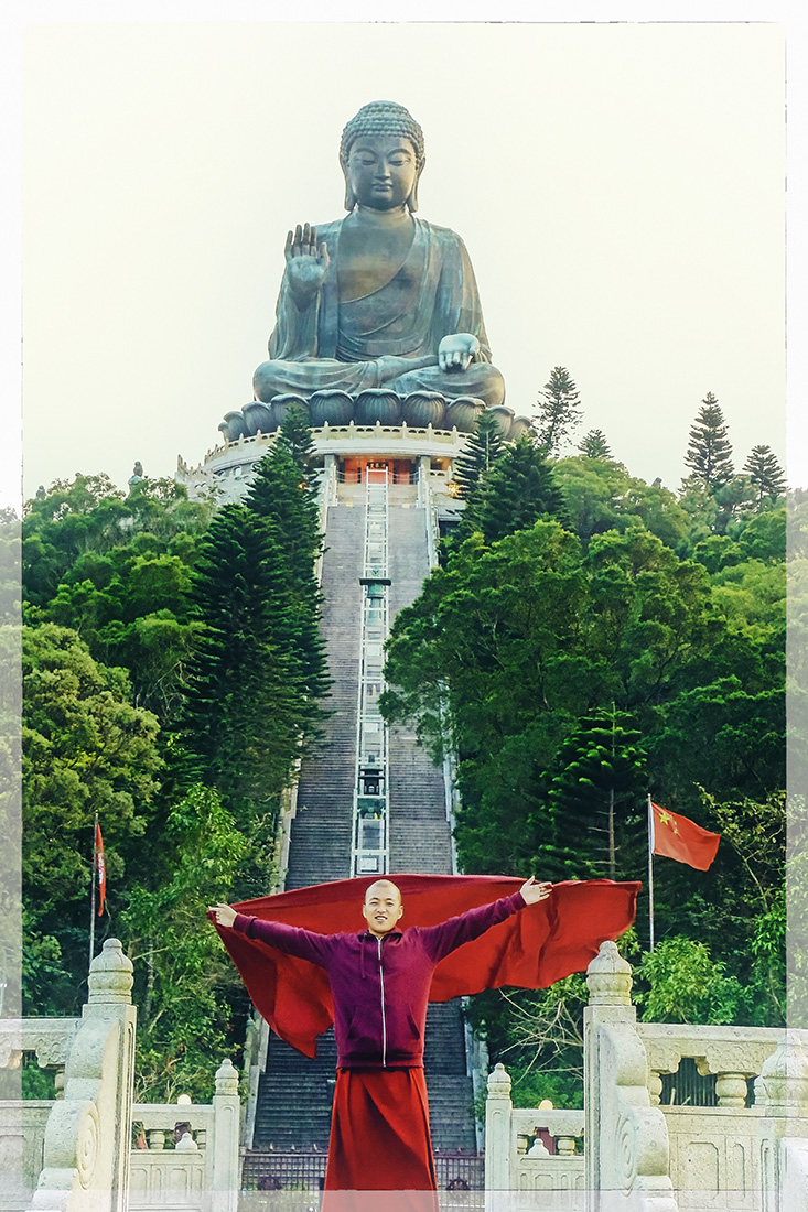 Manto al vuelo con la bendición de Buda - Fotografía artística