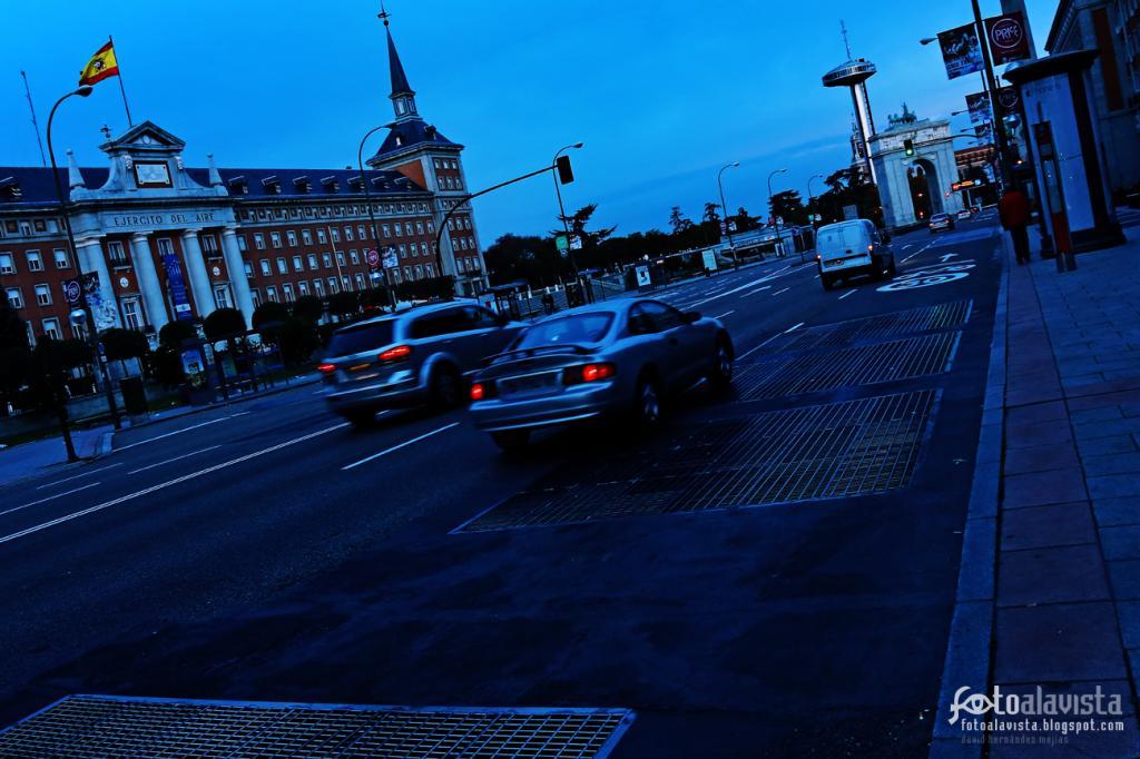 La ciudad va despertando: #RetoNocturna. Fotografía creativa - Fotografía infantil