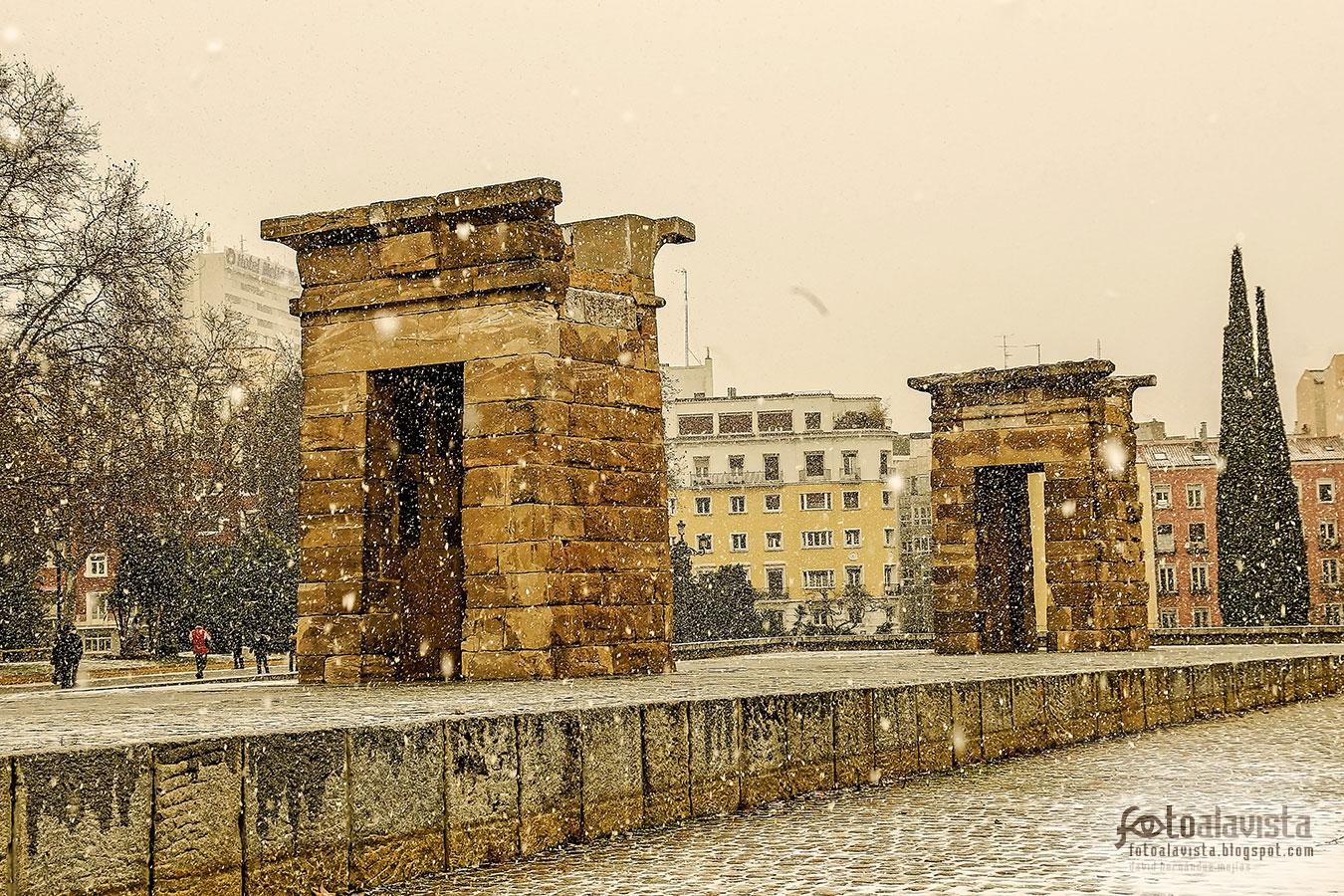 Nevando en el templo - Fotografía