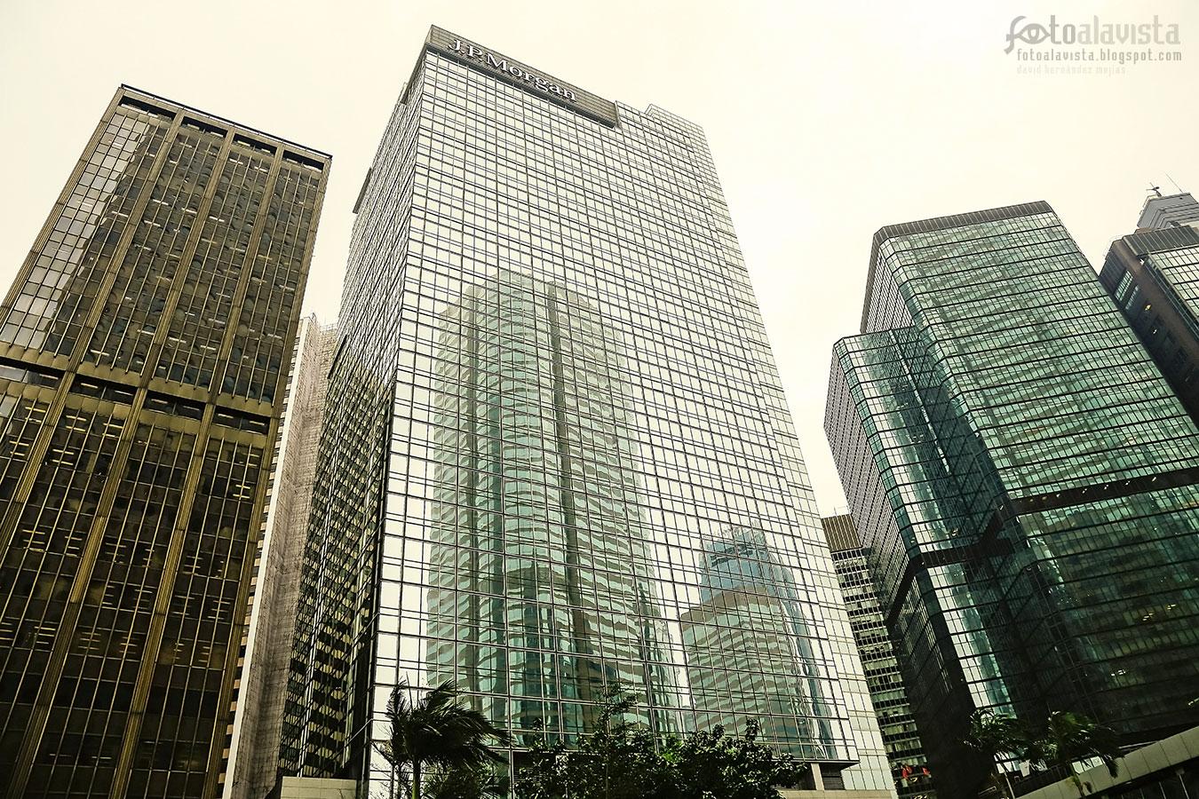 Rascacielos de cristal reflejados - Fotografía artística