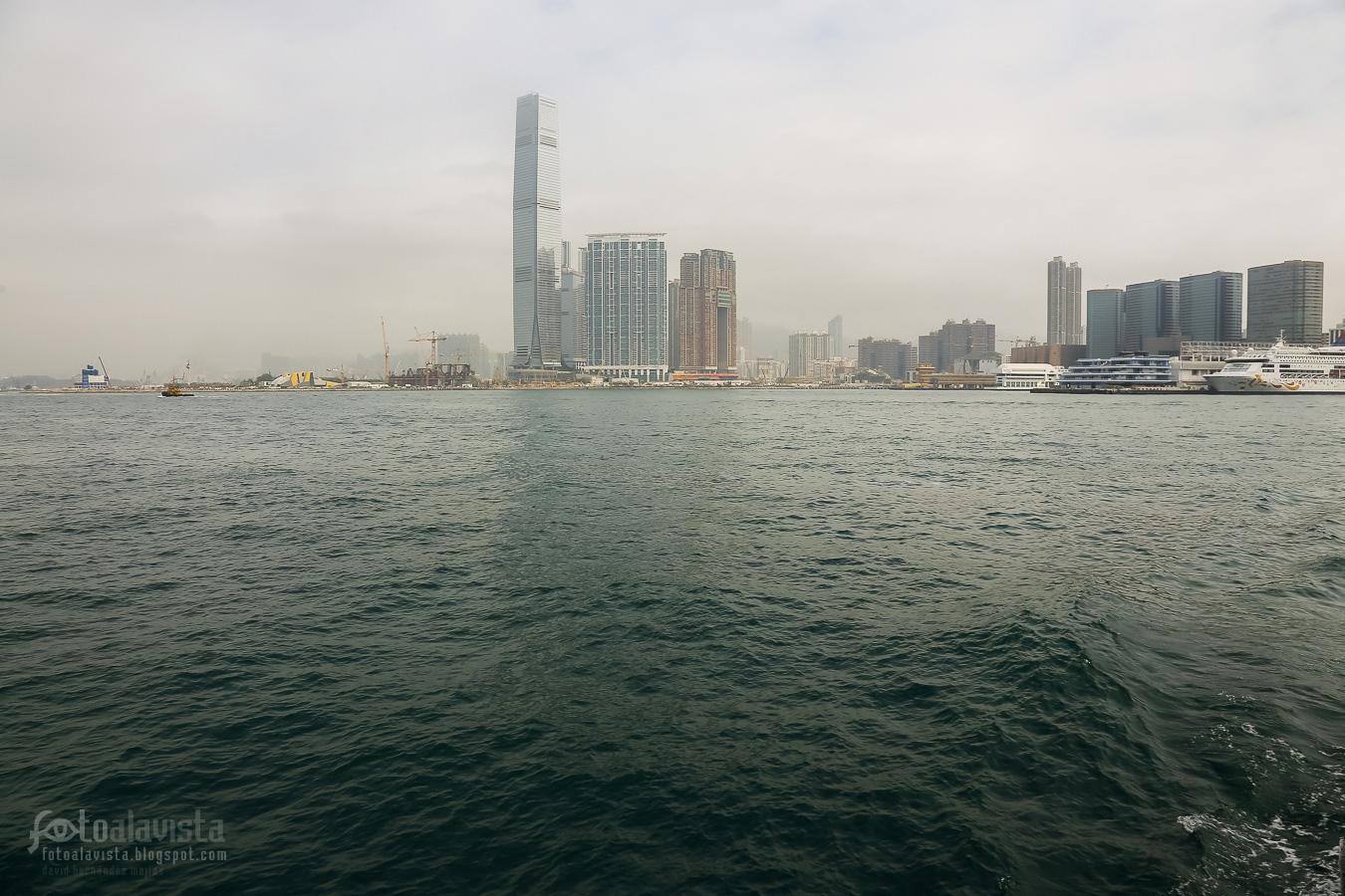 Los rascacielos que emergen del mar - Un espacio abierto hacia el cielo