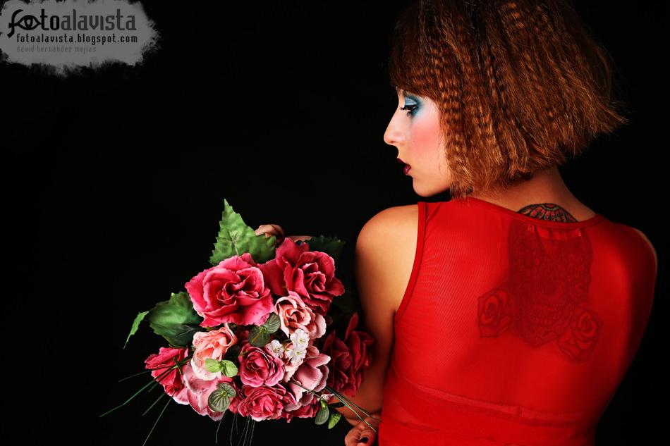 Flores para los Santos. Modelo Adelina Postolache.
