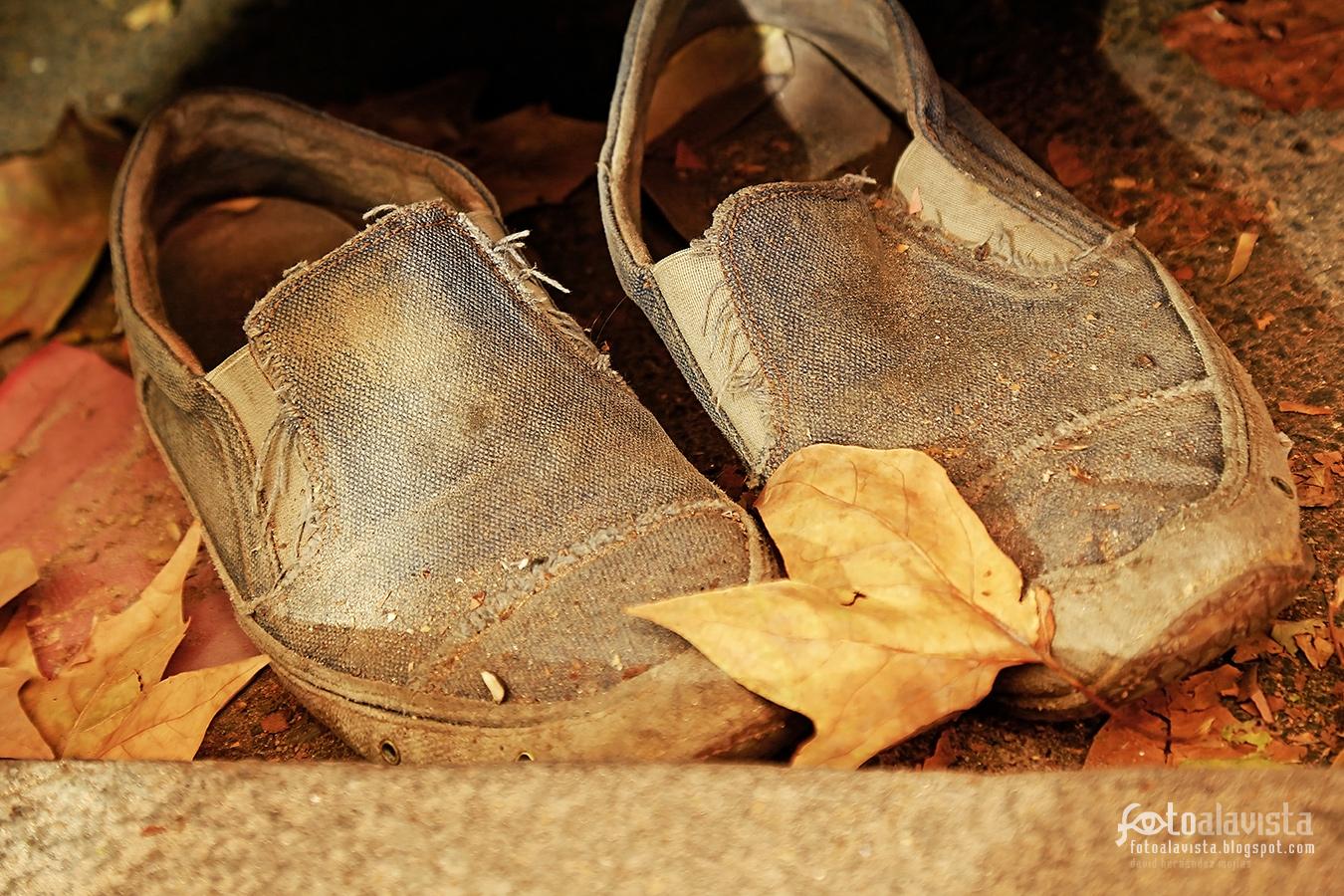 El calzado que llevó a alguien - Fotografía